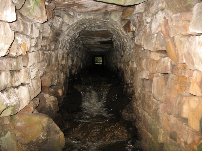 The stream tunnel